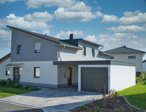 moderner Dachstuhl und Garagenüberdachung